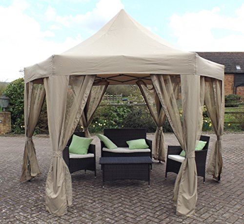 The Horwood Garden Metal Frame Pop up gazebo looks like it belongs in a luxurious hotel where guests can lay under and enjoy the beach. The hexagonal gazebo has a durable steel frame that has been powder- coated to protect the metal from rust and corrosion. The copper colour of the powder coat complements the beige colour of the fabric.
