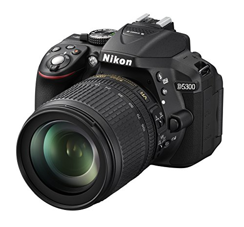 Nikon D5300 Fotocamera Digitale Reflex + Nikkor 18/105VR, 24.1 Mbps, LCD HD da 3' Regolabile, SD da...