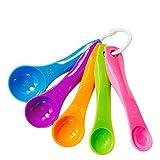 Juego de cocina de 9 piezas de calidad superior fabricado en silicona 78seven: 5 cucharas medidoras y 4 vasos dosificadores. Disponible en varios colores.