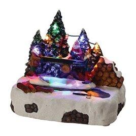 HOME VILLAGE 5MAI487MC Scène Skieurs Bois Animée et Musicale 7 LED à Piles, Résine, Multicolore