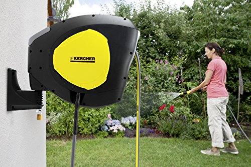 The first impressions of this model are of a compact and good-looking garden hose featuring Karcher's black and yellow colours. It's really a nice hose to add to your collection of Karcher garden tools including pressure washers. Still not a problem if, for example, you want to connect this hose to a spray nozzle from another brand; this product is compatible with all standard watering systems. The tool is easy to fit and easy to unwind and retract.