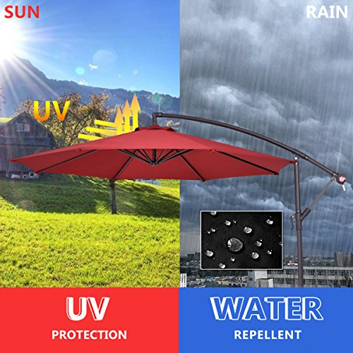 For the canopy material, we are looking at 180g/m² polyester that has been treated to withstand UV rays and keep water from seeping in. This cantilever parasol is not 100% waterproof but it can withstand light rain showers.