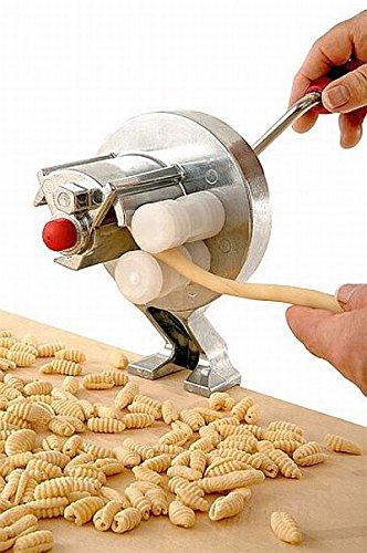 Macchina Per Gnocchetti Manuale. In Acciaio Cromato E Plastica Certificata Per Uso Alimentare....