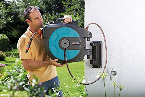 Our ultimate best auto hose reel is this GARDENA 35m Wall-Mounted Auto Reel Hose. It provides the greatest convenience of watering gardens thanks to its 35m long hose. Out of the box, this tool is incredibly easy to mount as it comes with everything you need, including a wall bracket, assembly aid, wall plugs, screws, and spray nozzle. Simply fix it and start using.
