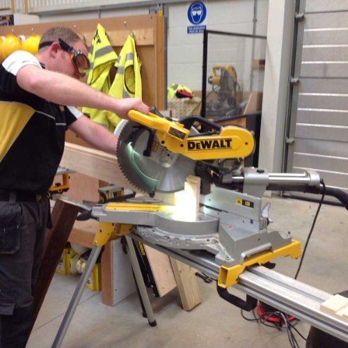 With a 305mm cutting blade, the DeWalt 230V 305mm Compound Slide Mitre Saw with XPS is hands down the perfect tool for professionals. Adjustable and robust steel dents will allow you to select a mitre angle quickly, whilst the XPS shadow line indicator will let you align the blade with utmost accuracy.