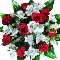 """floristikvergleich.de Blumenstrauß """"Valentinstag""""mit neun roten Rosen und verzweigten weißen Alstromerien"""