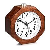 Navaris Analog Holz Wecker mit Snooze - Retro Uhr im Waben Design mit Ziffernblatt Alarm Licht - Leise Tischuhr ohne Ticken - Naturholz in Dunkelbraun