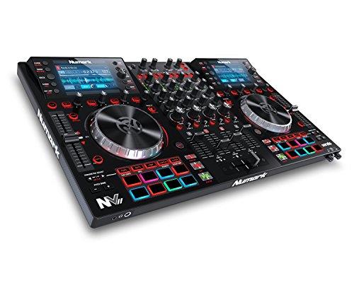Numark NVII - Controller Intelligente per DJ a 4 Deck per Serato DJ con Doppio Display, Piatti in Metallo da 5 Pollici, 16 Pad Sensibili alla Velocity e Pacchetto Software Toolroom Artist