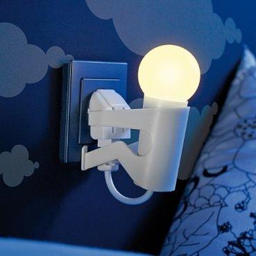 Lunartec-Steckdosenleuchte-Originelles-LED-Nachtlicht-Lustiges-Kerlchen-mit-Dmmerungssensor-LED-Steckdosen-Nachtlichter-mit-Sensoren