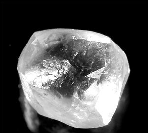 ダイヤモンド原石・ルース0.69CT