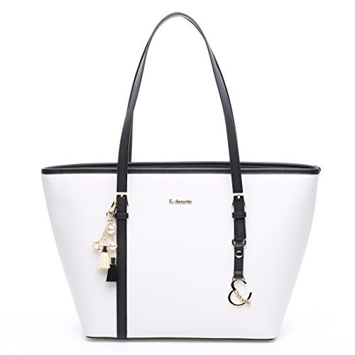 女子大生の誕生日に女性の必需品バッグをプレゼント