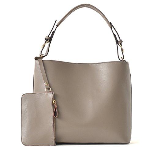 Vita Feliceのショルダーバッグは50代女性に人気