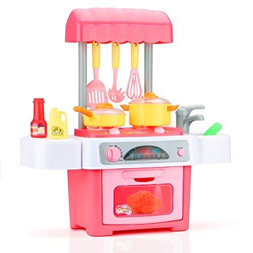 ママの真似をするのが大好きな子供にままごとキッチンをプレゼント