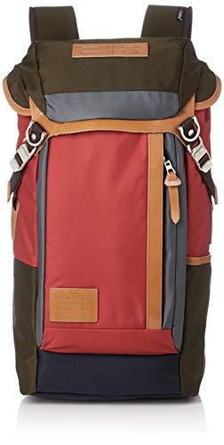 センスの良い女性が持つマスターピースのバッグ