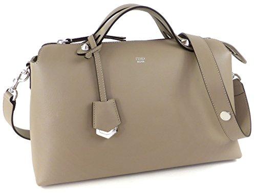 フェンディのバッグは20代の奥様に人気の誕生日プレゼント
