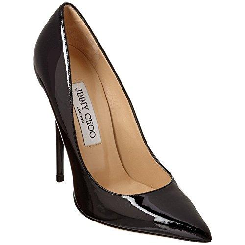 ジミーチュウの靴は誕生日や記念日のプレゼントに最適