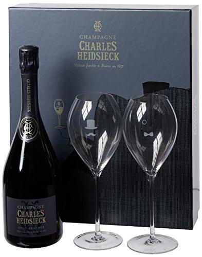 スパークリングワインとグラスは退職後に飲む祝いのお酒
