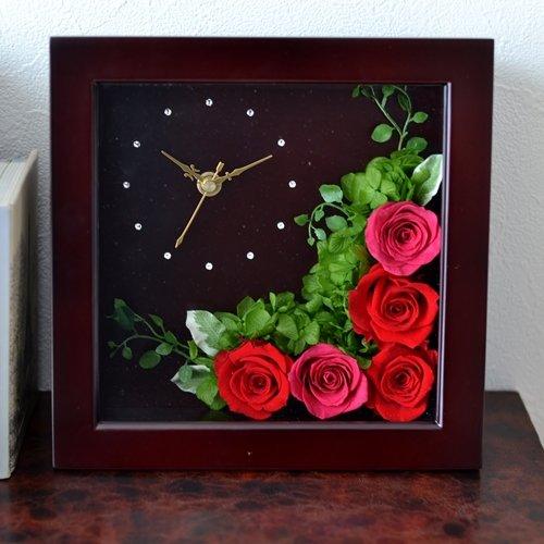 フラワー時計は結婚祝いの定番でおしゃれで人気
