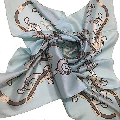 シルクのスカーフは50代女性に大人気