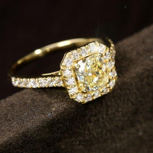 ダイヤモンド1ct ダイヤモンド0.6ct クッションシェイプ イエローゴールド リング(指輪)