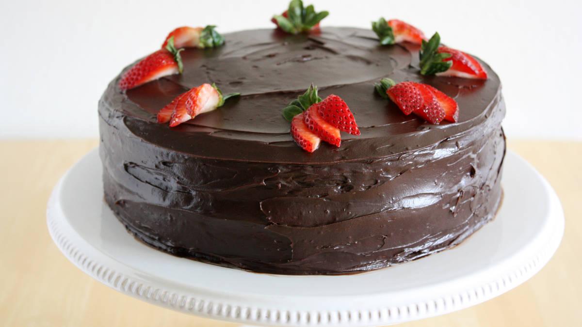 gateau aux fraises et au chocolat noir