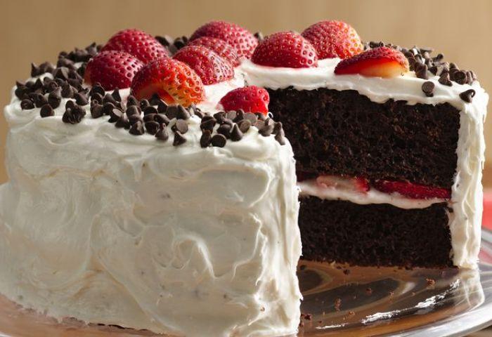 Chocolate Strawberry Cake With Fluffy Frosting Recipe Bettycrockercom