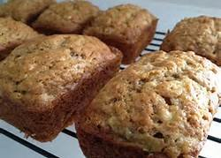 4 Loaves Bread Your Choice, Banana, Apple, White Chocolate Raspberry, & Blueberry Zucchini Bread, Holiday Gift, Gift for Mom, Party Gift, Homemade Bread