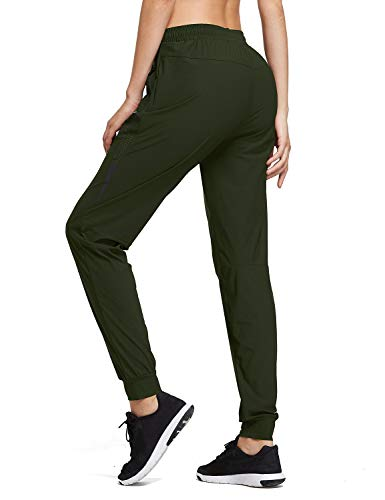 Yoga pants with zipper pockets