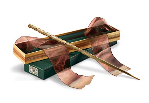 Hermione-Grangers-Wand-with-Ollivanders-Wand-Box
