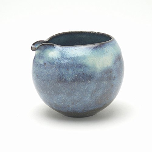 Japanese traditional ceramic Hagi ware. Aohagi blue katakuchi lipped bowl made by Keita Yamato.