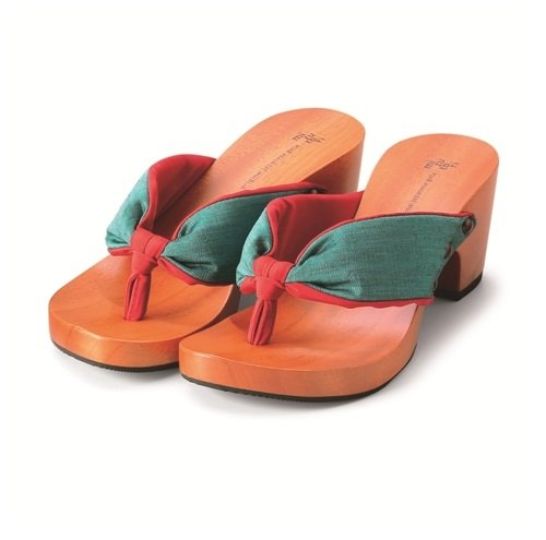 Japanese Style Sandals with a Wooden Platform and Green & Red Cloth (9½)