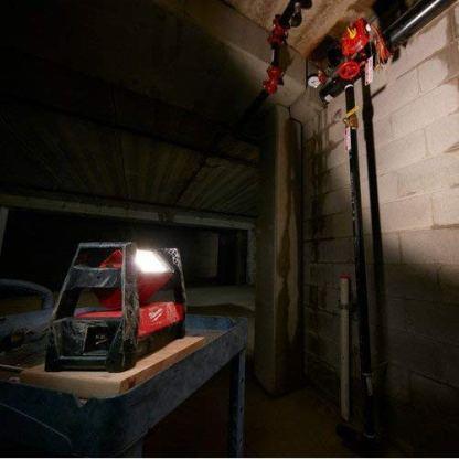 Milwaukee-2360-20-M18-Trueview-LED-Hp-Flood-Light