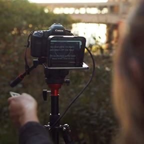 The-Padcaster-Parrot-Teleprompter-Kit-Portable-Teleprompter-for-iPhone