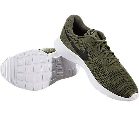 the best attitude 710b1 dd1bb NIKE Men s Tanjun Sneakers, Breathable Textile Uppers and Comfortable  Lightweight Cushioning