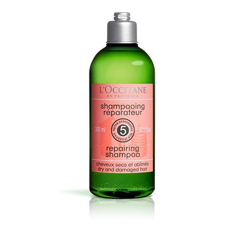 41WoJTFEKoL Hair is left looking and feeling supple, shiny and silky. Wet hair, lather shampoo and rinse after 1-2 minutes. Suitable for daily use. Apply on wet hair massage gently into a thick lather then rinse thoroughly