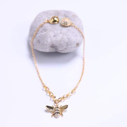 Pulsera chapada en oro, cierre magnético y abalorio Abeja de Miel