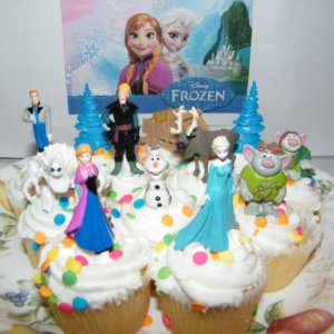 Disney Frozen Movie Figure Deluxe Cake Toppers / Cupcake Party Favor Decorations Set of 12 with Anna, Elsa the Snow Queen, Olaf, Reindeer, Ice Sled, Trees, Snow Monster, Trolls and More! 51IKwB4rkLL