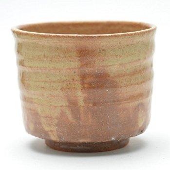 Hagi yaki Japanese ceramic. Tsutsu Matcha chawan tea bowl made by Keizan Utagawa.