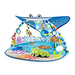 Climb aboard, friends! The world is your underwater oyster with this baby gym. Mr. Ray's cheerful stingray canopy invites all the little fish in the sea to play and explore. Hang out with your favorite Finding Nemo characters, like Crush (duuuuuuuude...