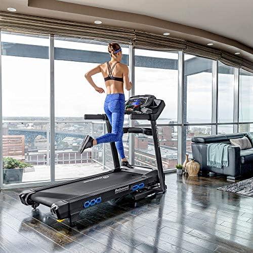 Nautilus Treadmill Series 8