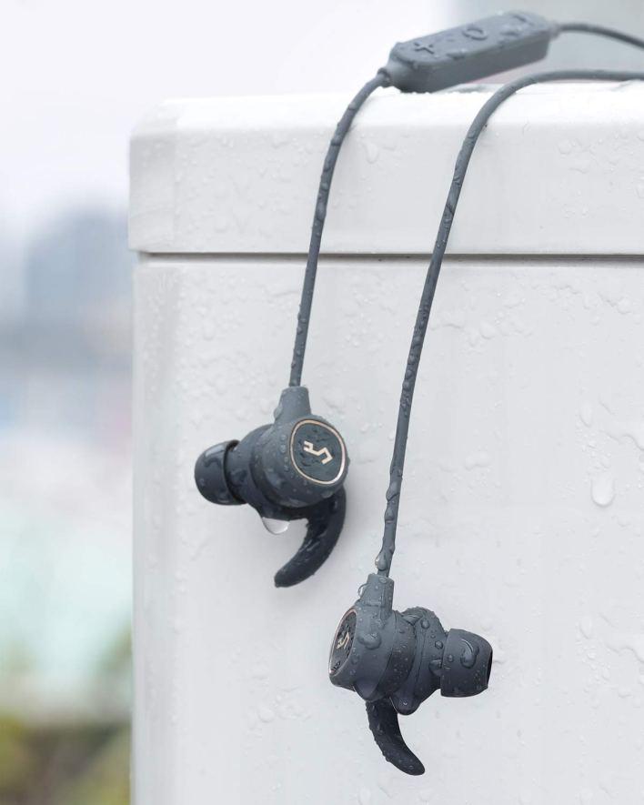 سماعة آيوكي B60 اللاسلكية متاحة بخصم بأمازون 610NO+dYWiL._SL150