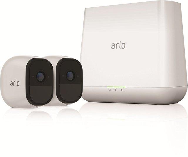 Si vous souhaitez disposer d'un système de surveillance totalement sans câble et un enregistrement cloud, Arlo est fait pour vous
