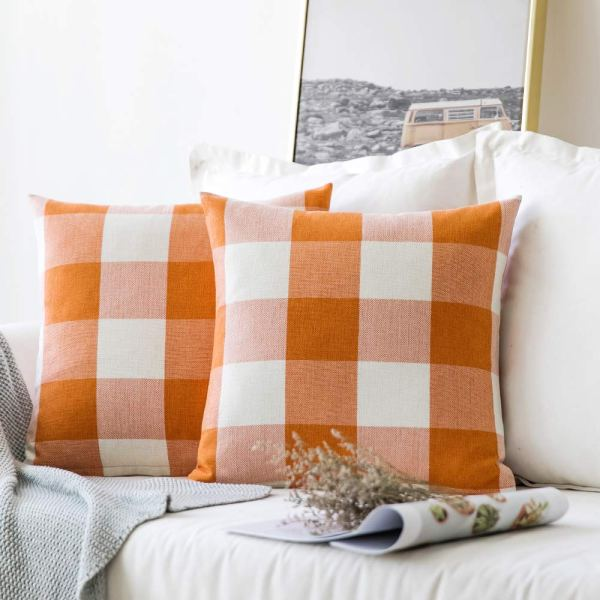 Fall Farmhouse Pillows #buffalocheck #falldecor #fallfarmhouse