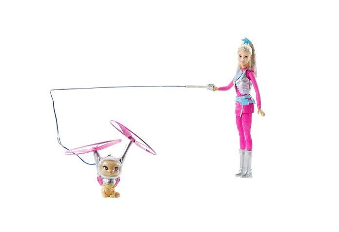 Barbie y su mascota aventura en el espacio