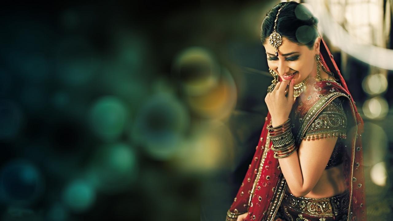 Kareena kapoor bridal poster
