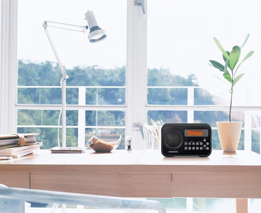 clock-radio-lcd