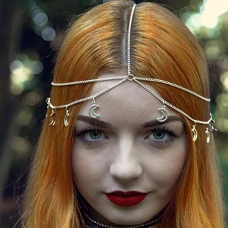 12 Zodiac Sign Costumes To Try This Halloween