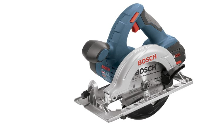 New Bosch CCS180K 18-Volt Circular Saw Kit with Battery
