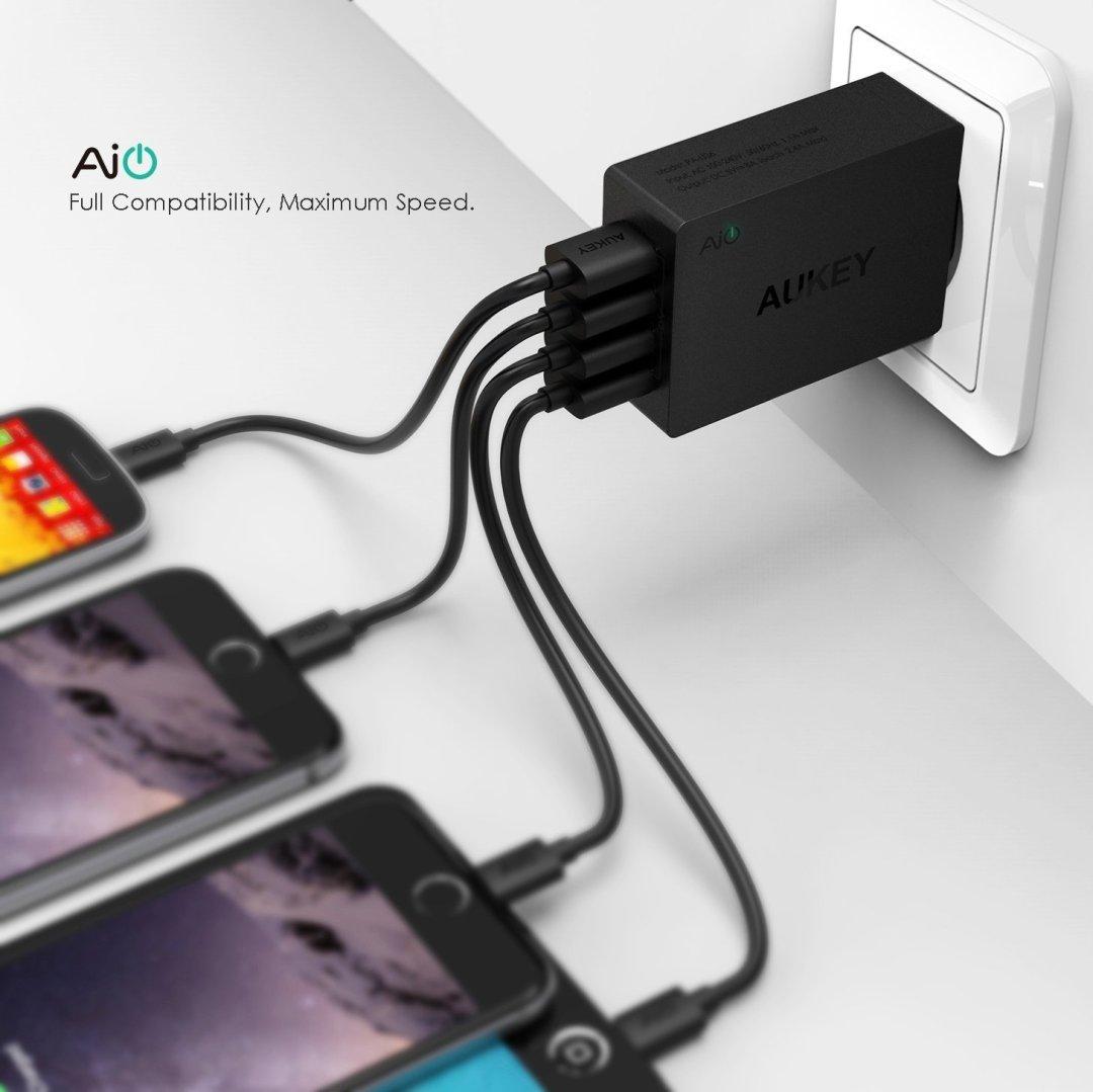 4 Geräte gleichzeitig - Aukey PA-U36 4 Port USB-Ladegerät