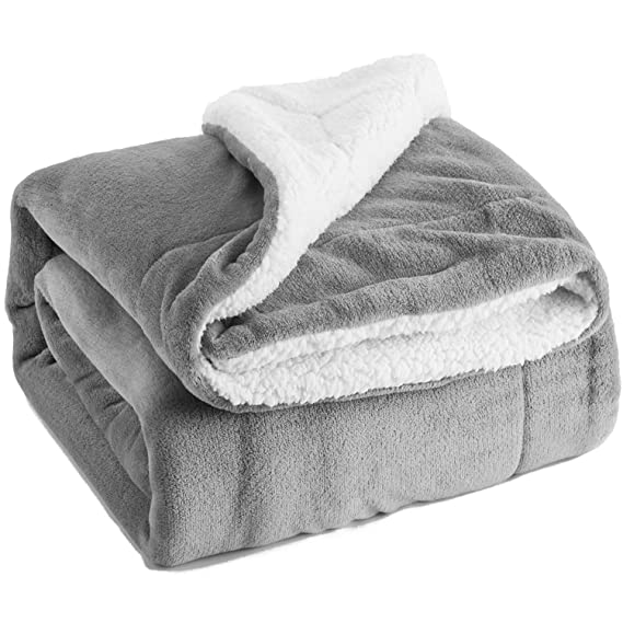 BEDSURE Sherpa Fleece Blanket Throw Size Grey Plush Throw Blanket Fuzzy Soft Blanket Microfiber